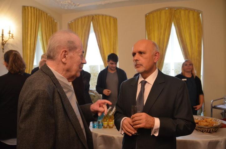 Der langjährige BRUNA-Bundesvorsitzende, Herr Karl Walter Ziegler im Gespräch mit Dr. MojmírJeřábek