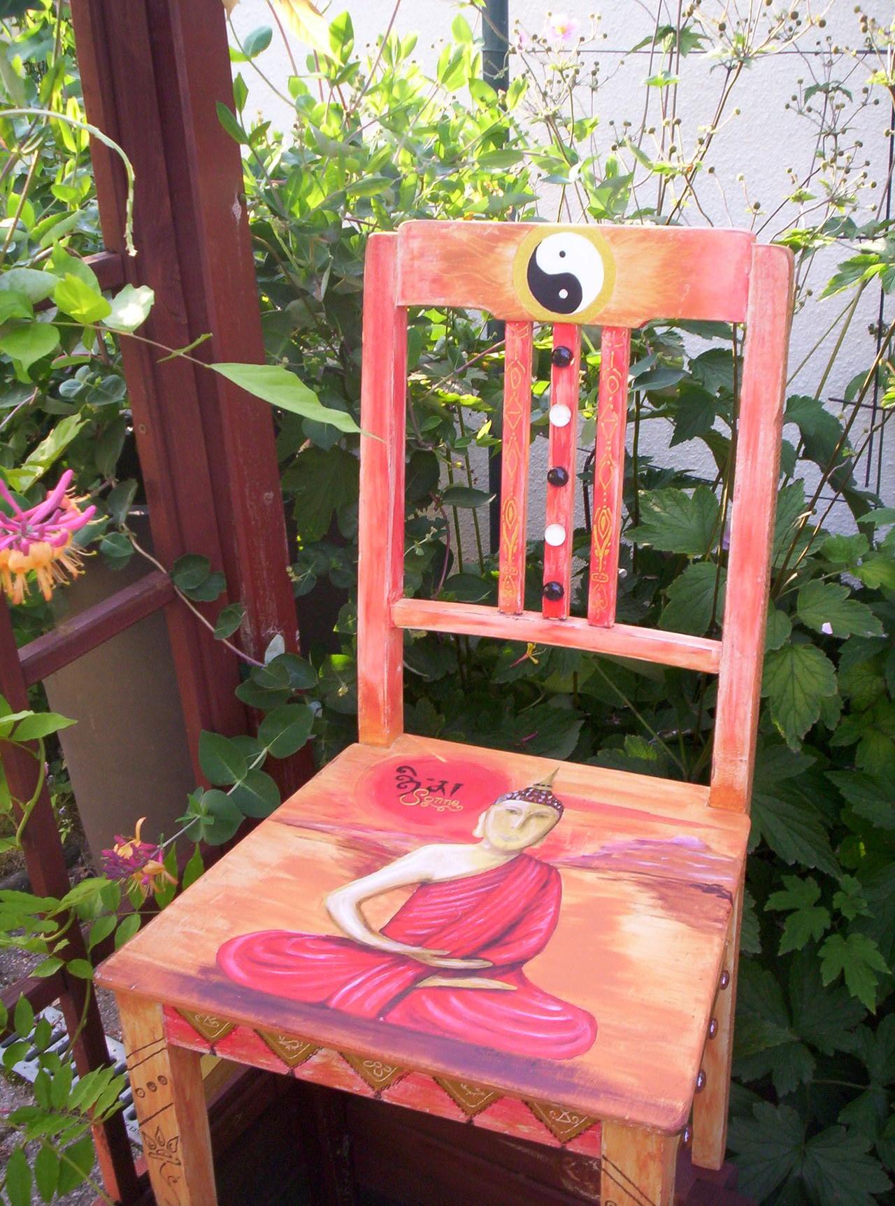 """Stuhl """"Carma"""" mit Pinsel und Schwamm bemalt"""