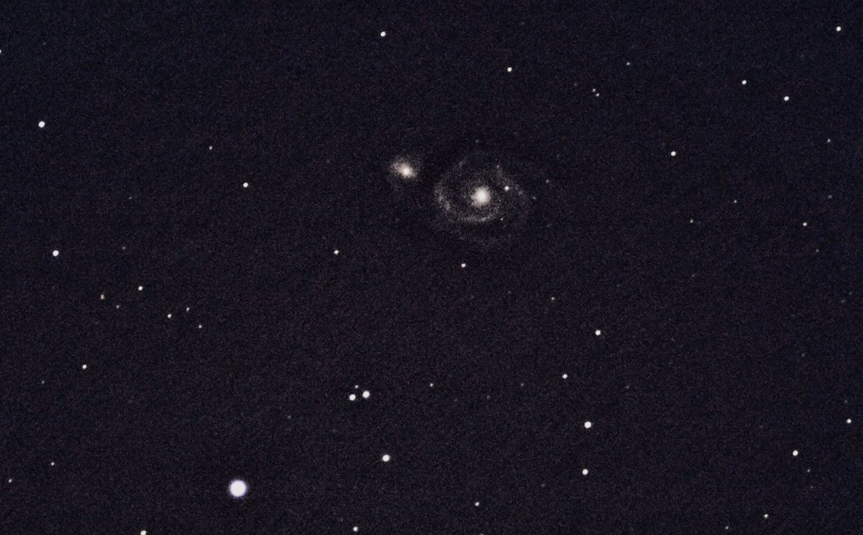 M51- 4.5.2014, 102/1000 + Canon EOS 700D, 800 ISO 6x30s - Donatella Luzzi, Cisliano (MI)