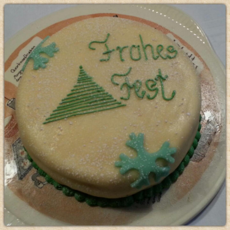 Die erste Torte zu Weihnachten