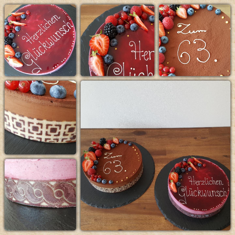 Sahne Torten als Geburtstagstorten mit frischen Früchten und Kuvertüre Schrift