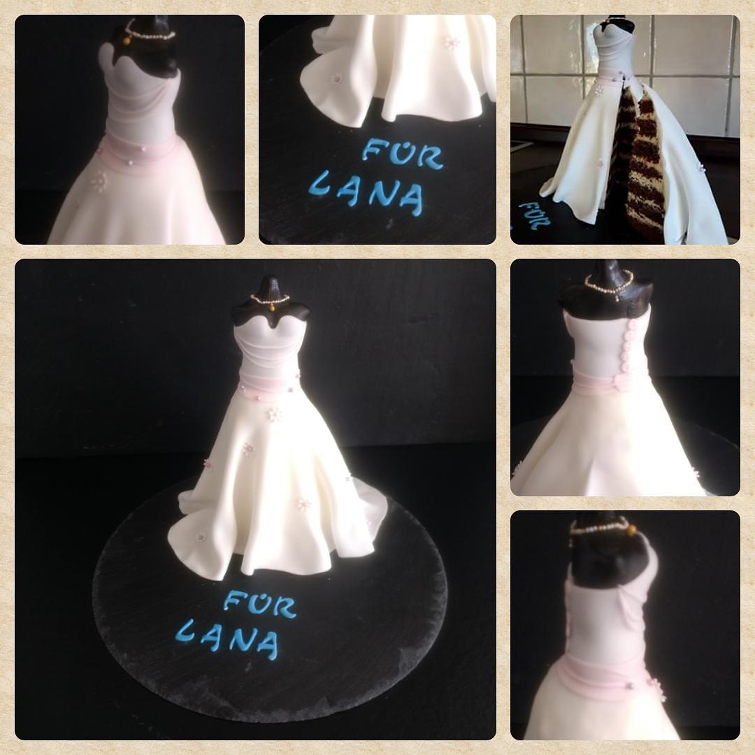 Geburtstagstorte im Stil einer Schneiderpuppe mit Kleid