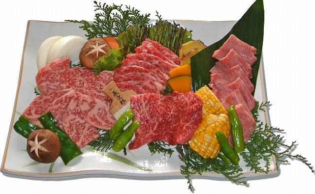 匠盛 お一人様5,500円(焼肉料理:塩タン・特選ロース・上カルビ・ステーキ)、焼野菜、ホルモン四種盛、キムチ盛 ※2名様より承ります。