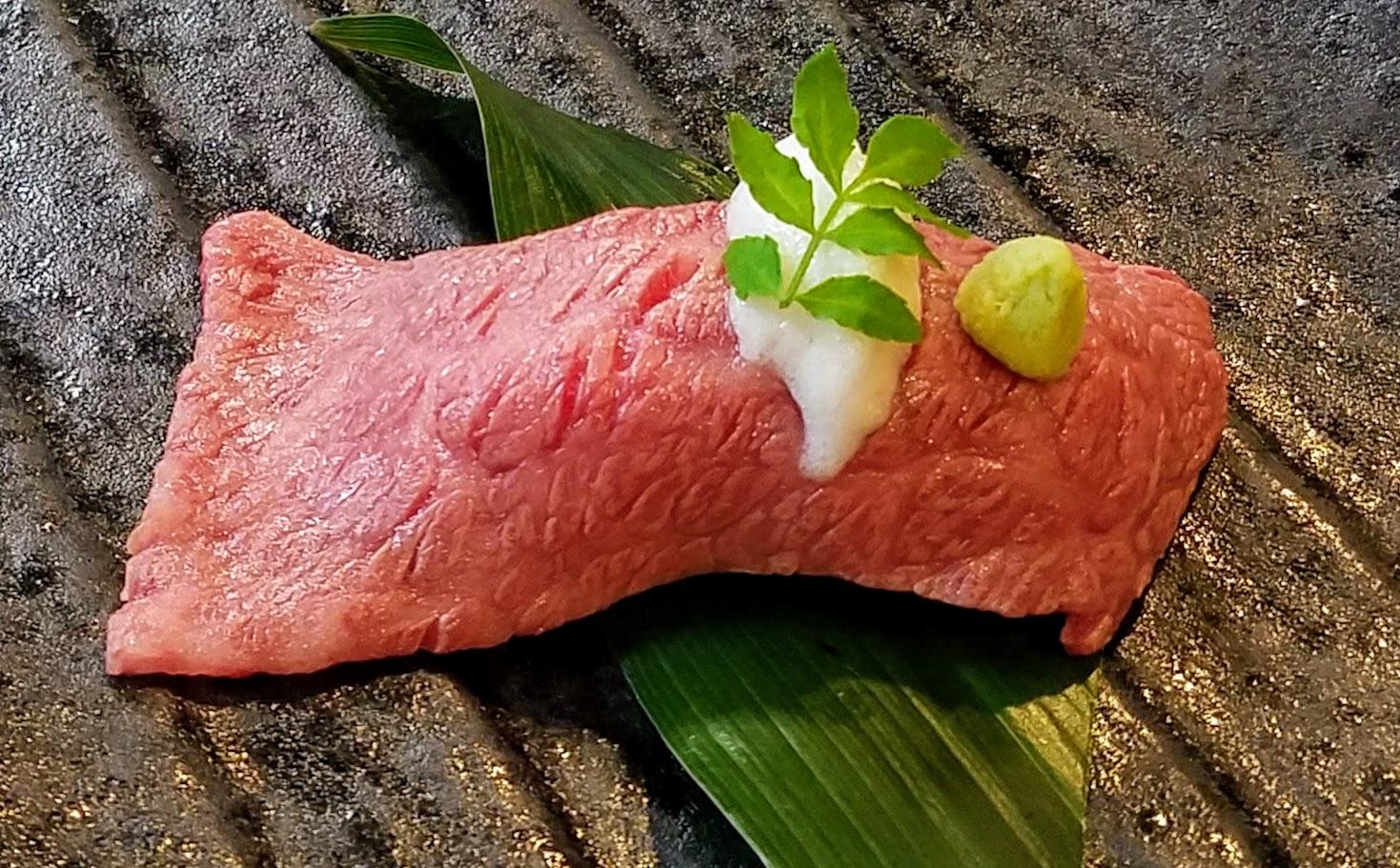 神戸牛 炙り寿司(7月からの新メニュー)