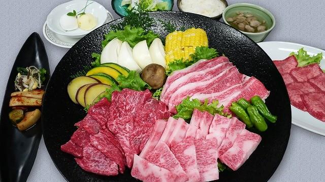 ナムル漬物盛合せ・シーフードフェ・塩タン・ロース・カルビ・焼しゃぶ・焼野菜・白ご飯・スープ・シャーベット