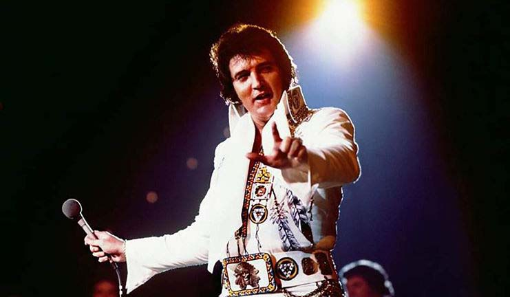 Fotografía - Worldwide Elvis Friends (The Page)