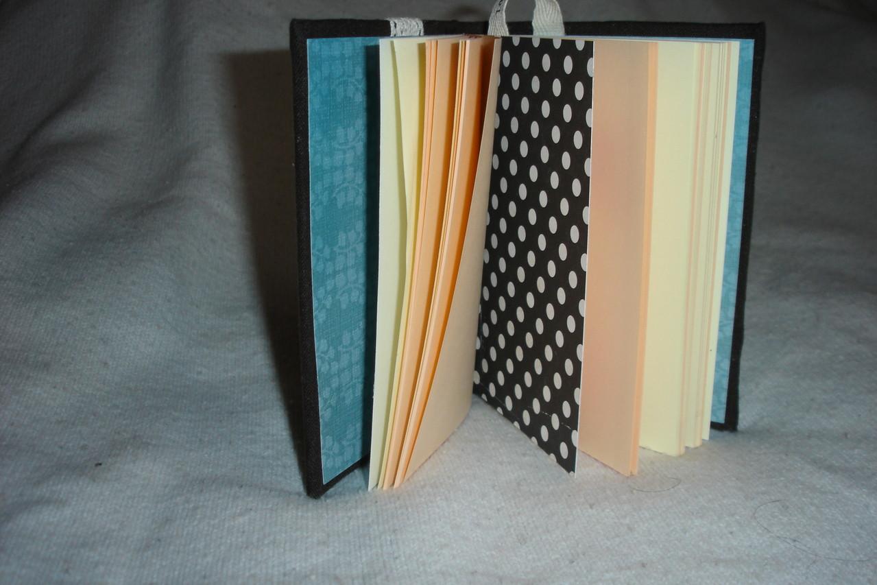 Цветные страницы и разделители.