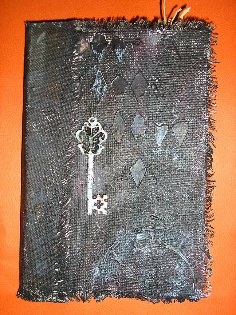 Мини-альбом, А6, текстиль, акрил, акриловый грунт, структурная паста, метал.декор