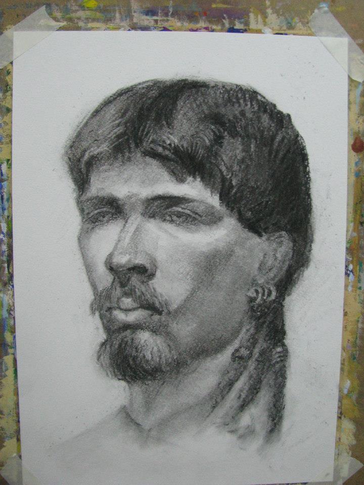 Голова натурщика. Бумага, уголь (курс портрета, учебная работа)