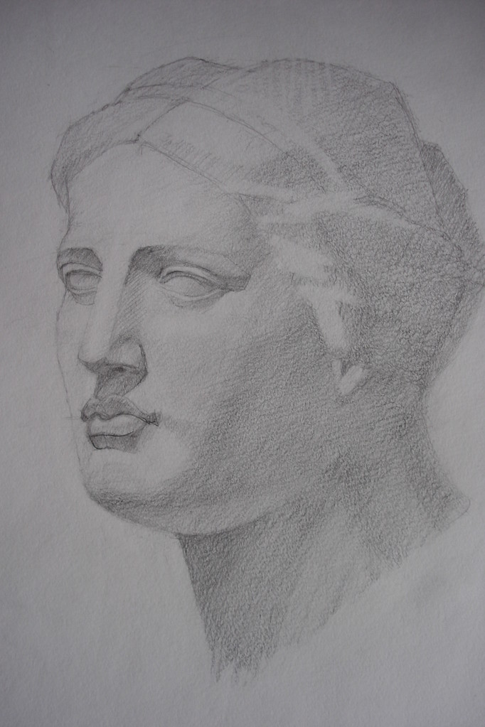 Голова Венеры. Бумага, карандаш, (курс портрета, учебная работа)