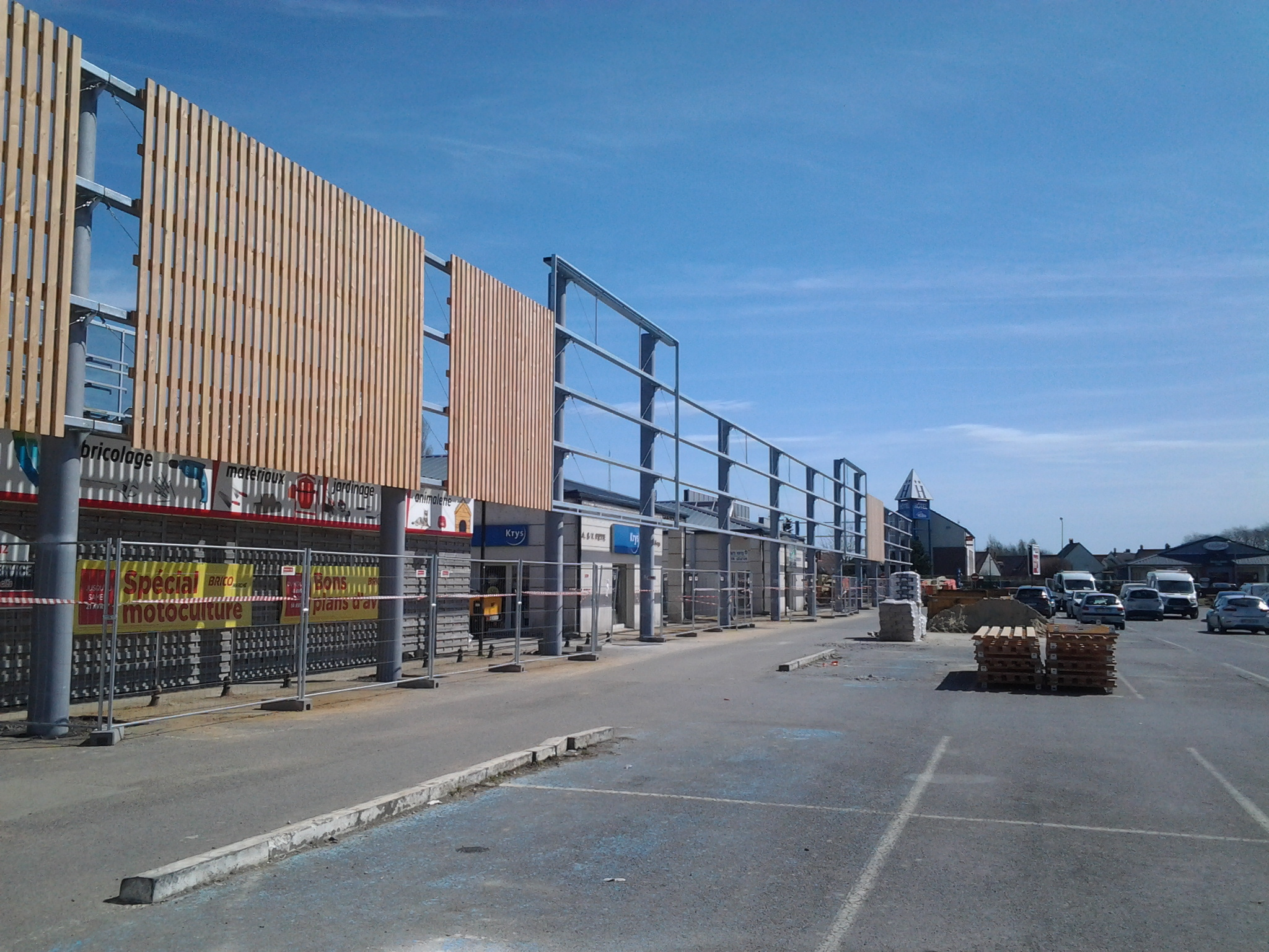 Restructuration de magasins à FRIVILLE-ESCARBOTIN. Mission de Niveau 2.