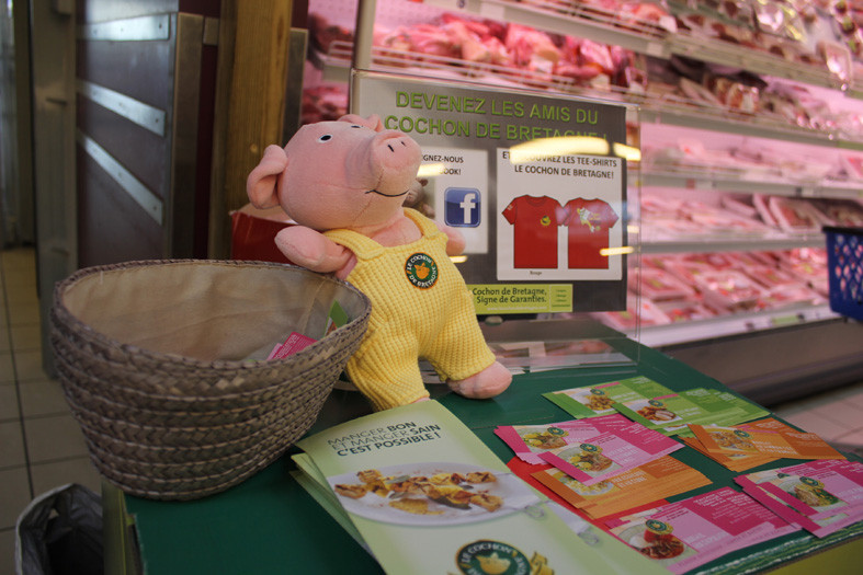 Cochon de Bretagne en animation au magasin E. Leclerc de Concarneau pour l'opération Eleveurs de Bretagne