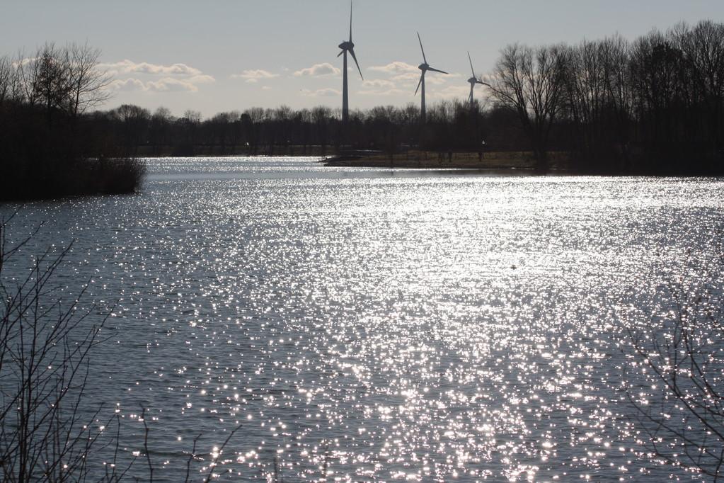 Windmühlen und kleine Meere, etwas kühler als das Mittelmeer