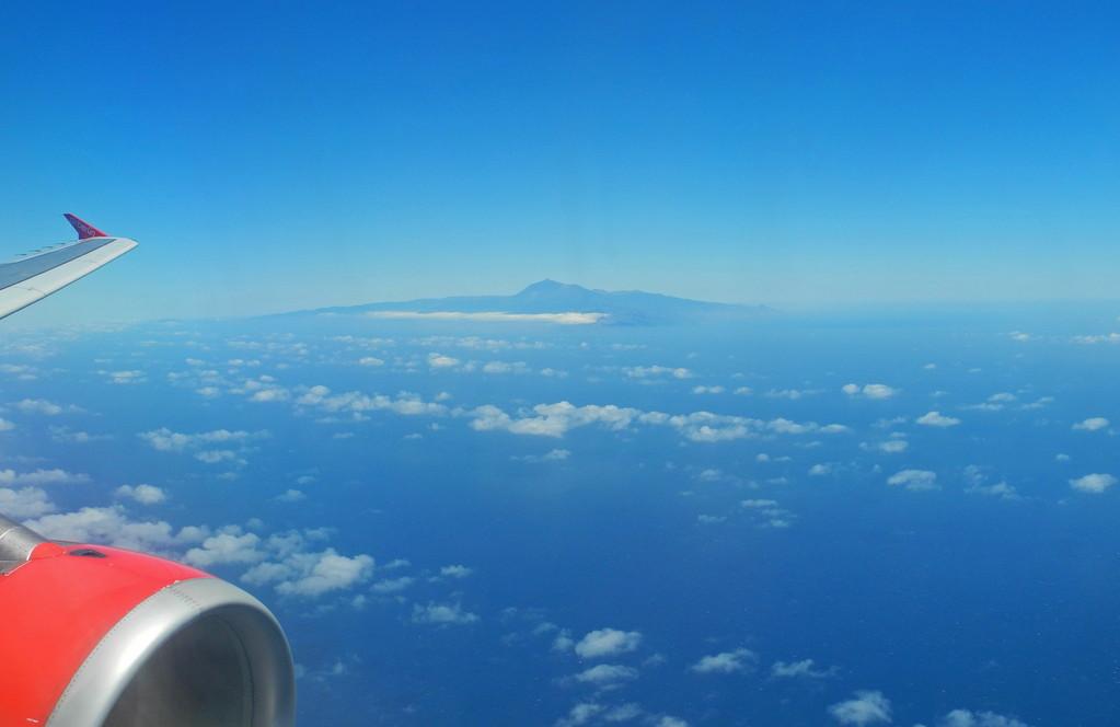 Was für ein prächtiger Anblick - die Insel Teneriffa mit dem Pico del Teide