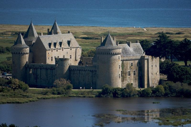 Bretagne Architektur Schloesser