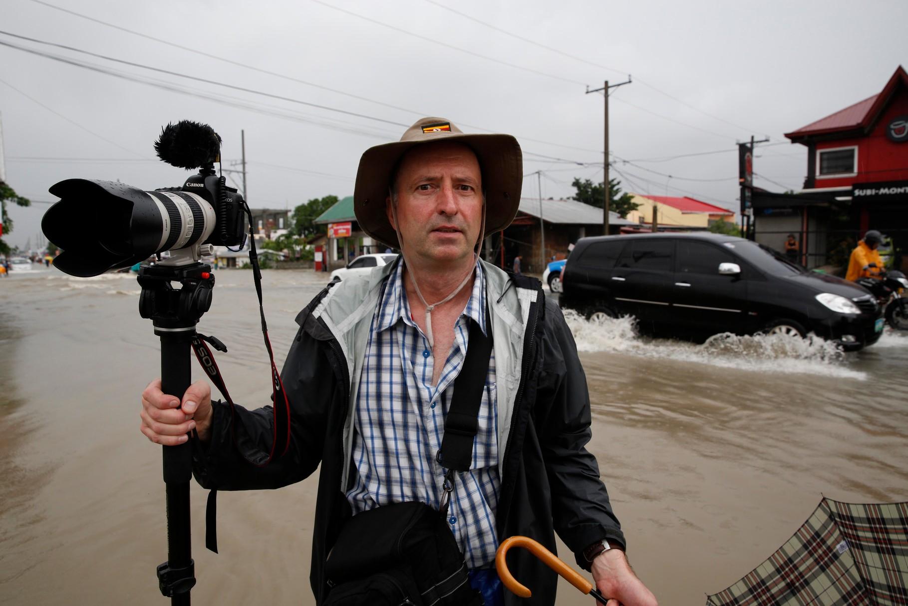 Photographer Hartmut Schwarzbach in Cavite Floods 2013