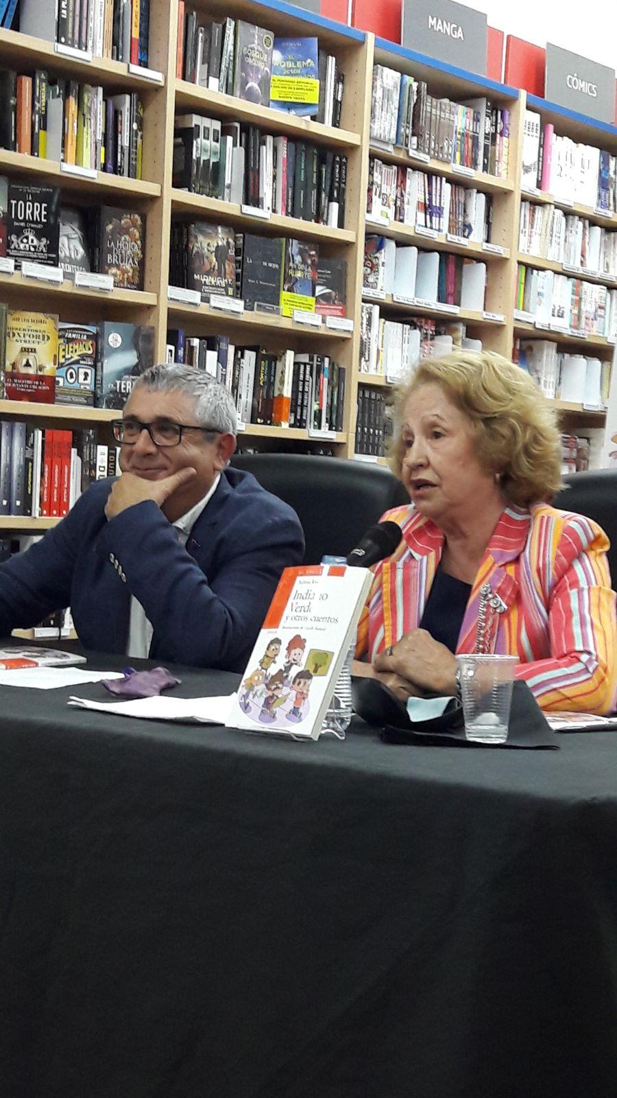 Presentación de Indiano verde, de Balbina Rivero, en la librería Agapea