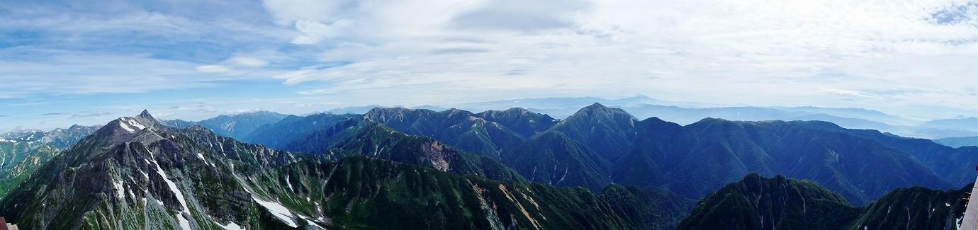 これも山荘のテラスからの眺望です