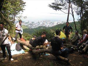 逢坂山頂は大津の街並みと琵琶湖の展望台