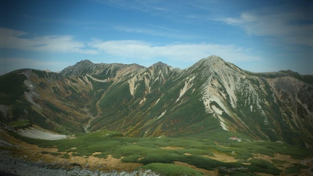 鷲羽岳、ワリモ岳、水晶岳。水晶岳は、別名「黒岳」だけなあって、本当に黒く見えました。