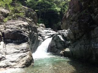 3m滝釜深い