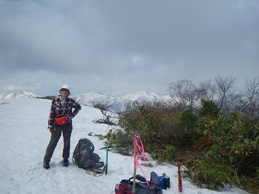 芦倉山頂。ここも藪が出てます。