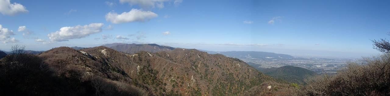 稜線から竜ケ岳、静ケ岳、御池岳、天狗堂方面