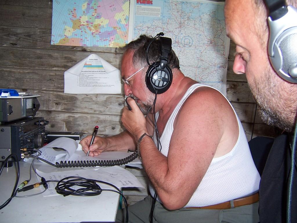 DL1ASF beim Funkbetrieb an DR2N