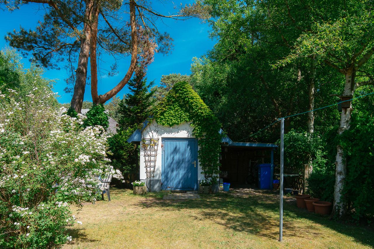Unser Gartenhaus mit viel Platz für Fahrräder, Grill und Tischtennisplatte