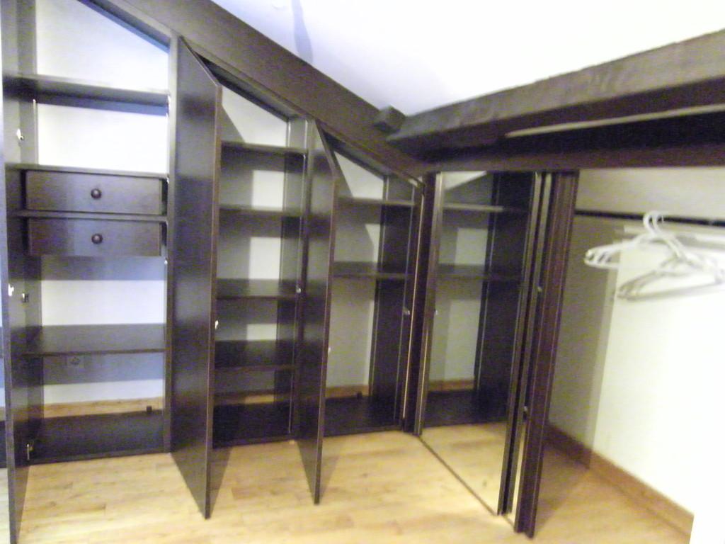 aménagement portes ouvrantes à la française + porte (miroir) coulissante