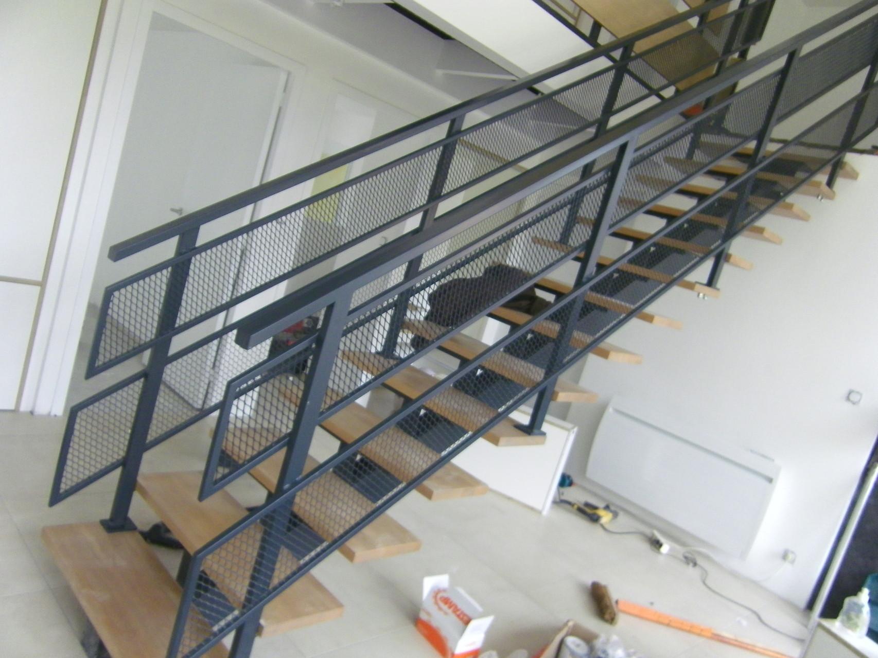 Escalier bois et métal laqué