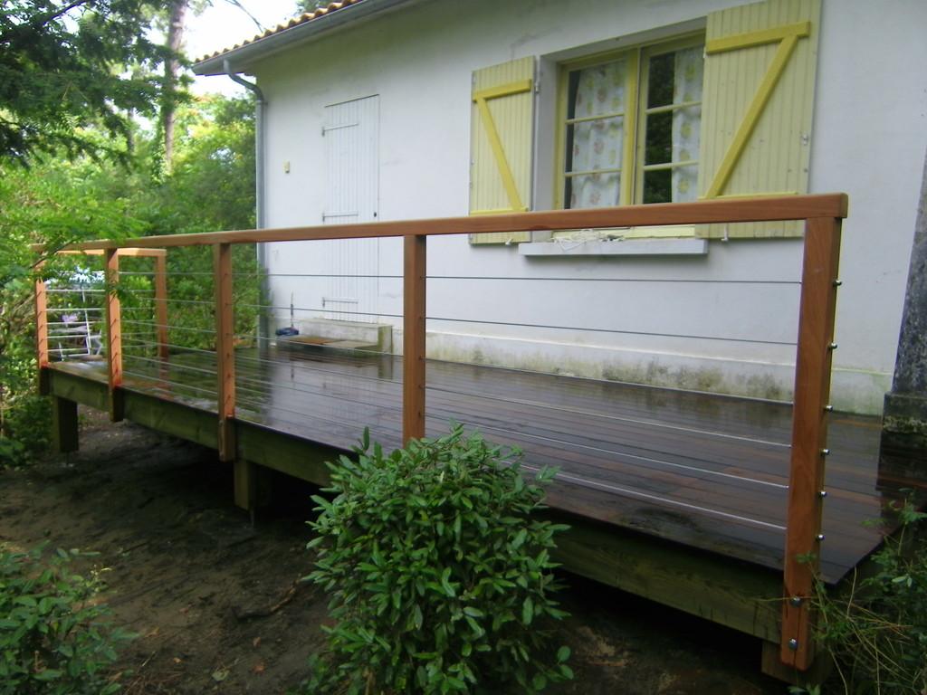 terrasse avec lame de bamboo et cable en inox fini