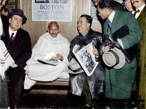 24 - Mahatma Gandhi (Ghandi) - Copyright: GandhiServe India - www.gandhiserveindia.org