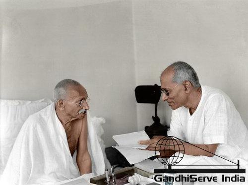 62 - Mahatma Gandhi (Ghandi) - Copyright: GandhiServe India - www.gandhiserveindia.org