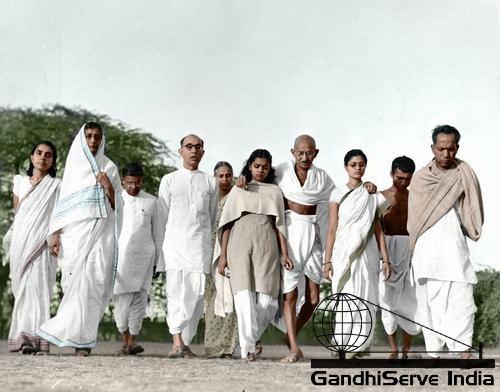 75 - Mahatma Gandhi (Ghandi) - Copyright: GandhiServe India - www.gandhiserveindia.org