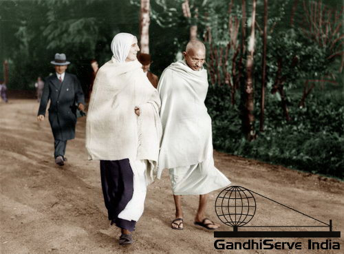 26 - Mahatma Gandhi (Ghandi) - Copyright: GandhiServe India - www.gandhiserveindia.org