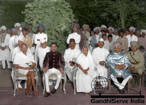 35 - Mahatma Gandhi (Ghandi) - Copyright: GandhiServe India - www.gandhiserveindia.org