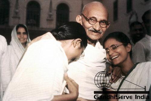 95 - Mahatma Gandhi (Ghandi) - Copyright: GandhiServe India - www.gandhiserveindia.org