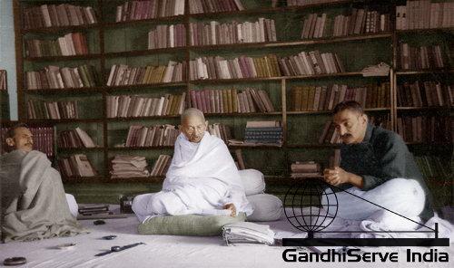 19 - Mahatma Gandhi (Ghandi) - Copyright: GandhiServe India - www.gandhiserveindia.org