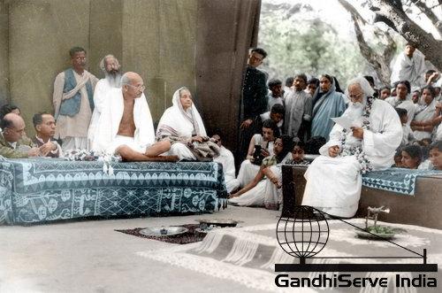 39 - Mahatma Gandhi (Ghandi) - Copyright: GandhiServe India - www.gandhiserveindia.org