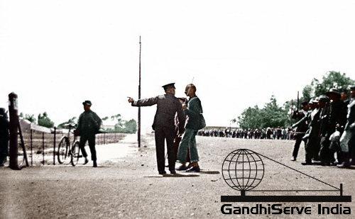 8 - Mahatma Gandhi (Ghandi) - Copyright: GandhiServe India - www.gandhiserveindia.org