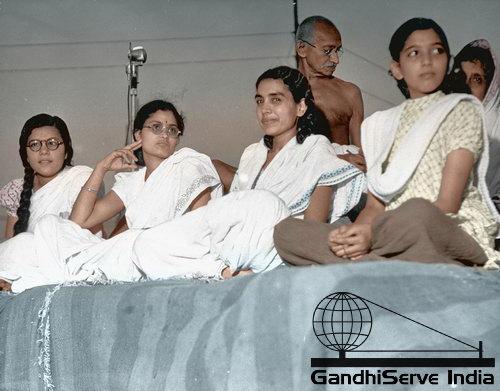 82 - Mahatma Gandhi (Ghandi) - Copyright: GandhiServe India - www.gandhiserveindia.org