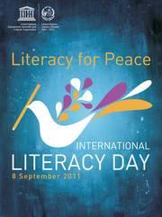 la alfabetización es una condición imprescindible para que los individuos participen de forma eficaz en los procesos democráticos, se hagan escuchar en las organizaciones comunitarias, adquieran conocimientos sobre política y ...
