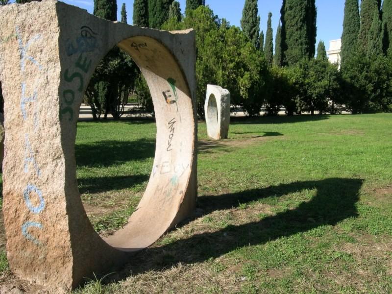 Sombras de escultura en Viveros