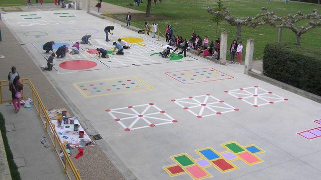 Ejemplo de distribución de espacios en un patio. Imagen de eldiariocv.es