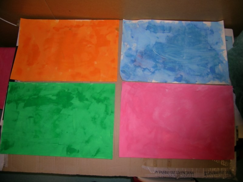 Naranja,azul,verde y rosa