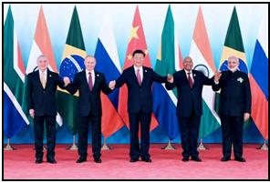 Vertice di Xiamen: il brasiliano Michel Temer, il russo Vladimir Putin, Il cinese Xi Jinping, il sudafricano Jacob Zuma e l'indiano Narendra Modi (Lapresse)