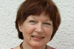 Barbara Köhler, Swamini VishwaKishori Ma, ist Grafikerin, Künstlerin, Therapeutin und Atma Kriya Yoga Lehrerin