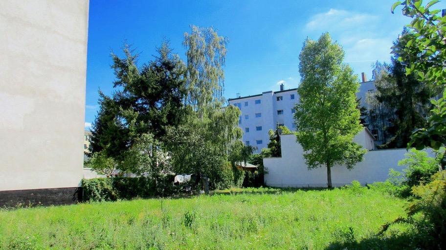Grundstück in der Amalienhofstraße von MFH-Immo