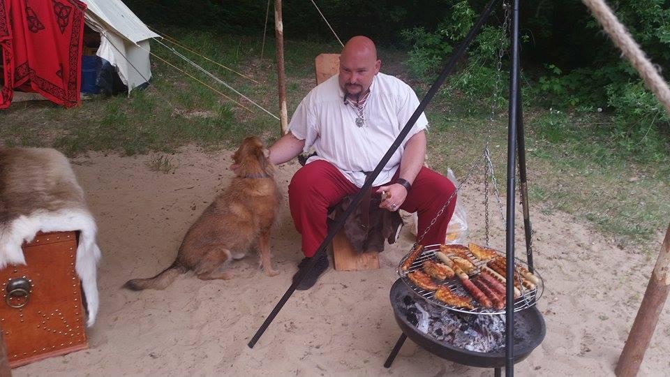 Schildow 2016 Grillsaison und Freund der Hunde :-)